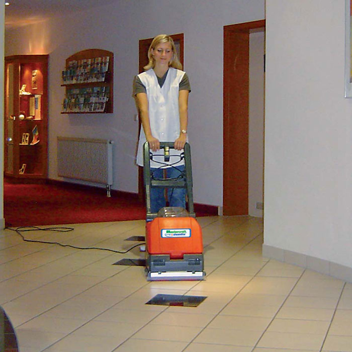 Electric floor scrubber for tile